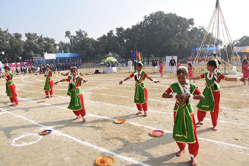 Alok Bharati Shikshan Sansthan: Dance
