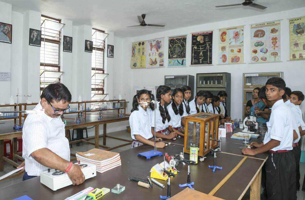 Indian Public School, Ajmatpur, Bidupur-Labs