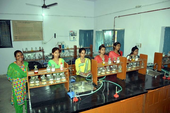 M R M College-Chemistry Lab