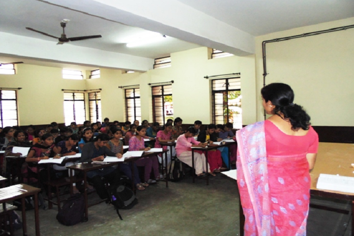 Jyothi Nivas Pre University College-Classroom With Staff