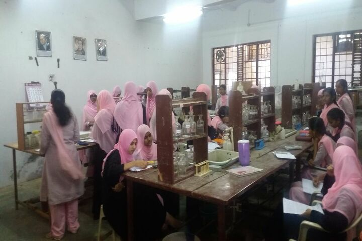 Secab Pre-University College For Women-Chemistry Lab