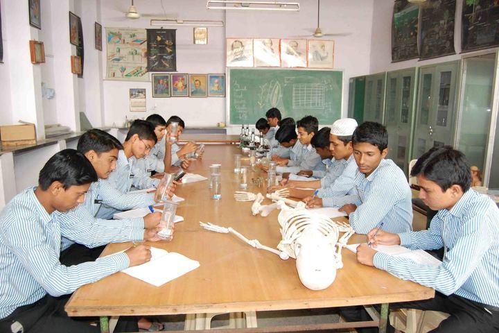 SECAB Pre-University College for Boys-Biology LAB