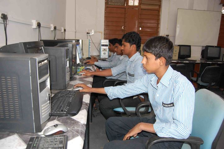 SECAB Pre-University College for Boys-Computer LAB
