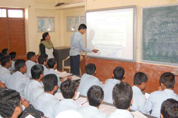 SECAB Pre-University College for Boys-Smart Classes