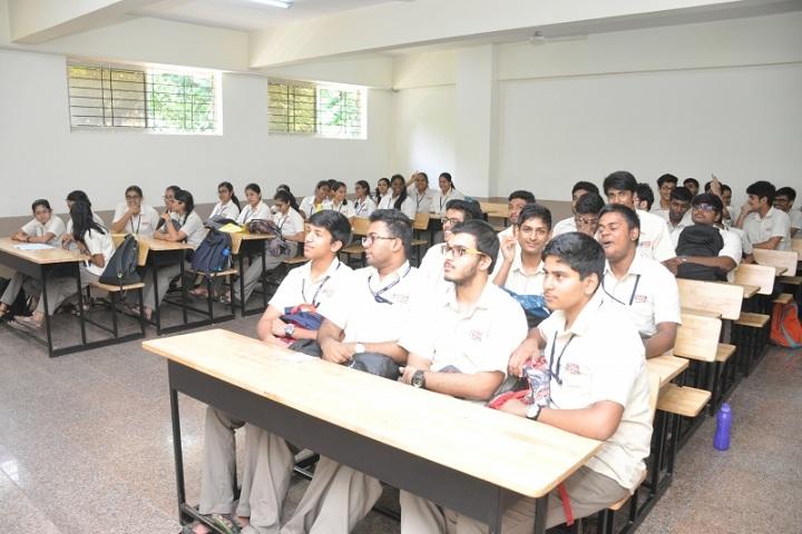 Base Pre University College-Classroom