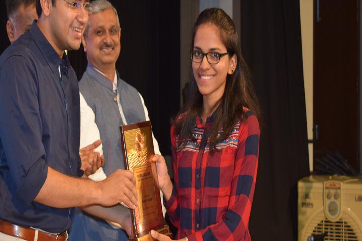 RV Pre University College-Prize