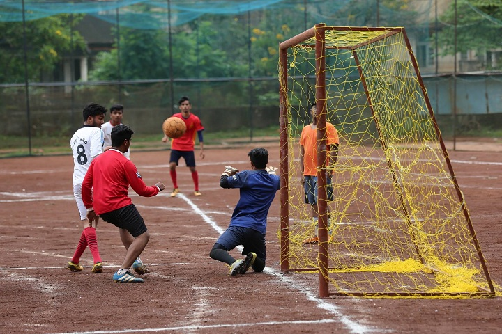 Trinity Pre University College-Football