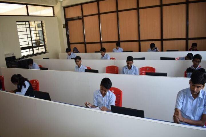 Excellent Pre-University College-Computer Lab