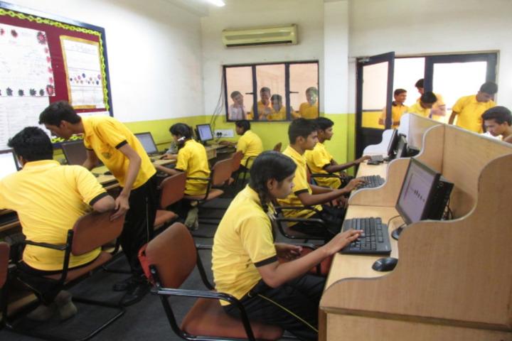 Monnet DAV public school-computer lab1