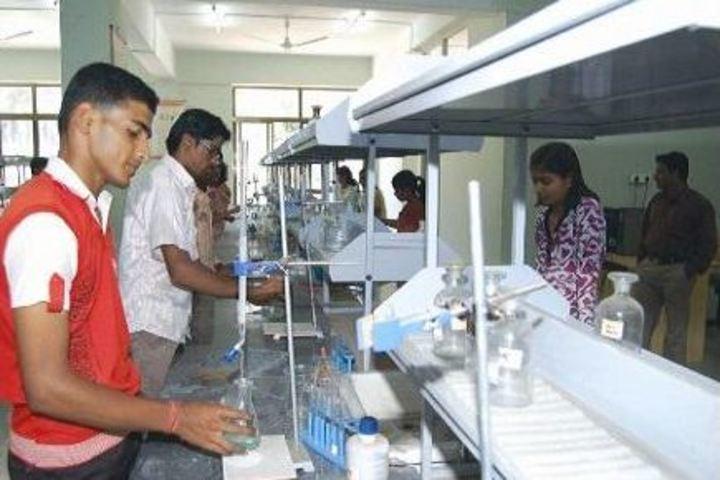 Innovative Pre-University College-Chemistry Lab