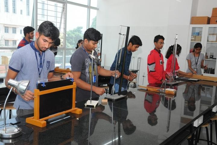 BASE Pre-University College-Physics Lab