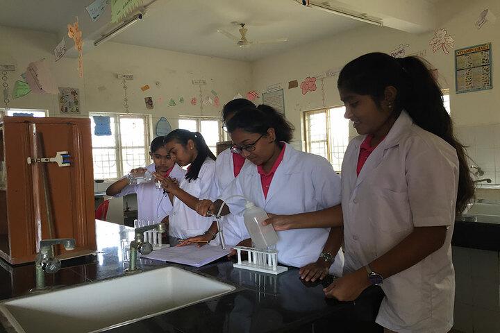 Basava Girls Pre-University College-Chemistry Lab