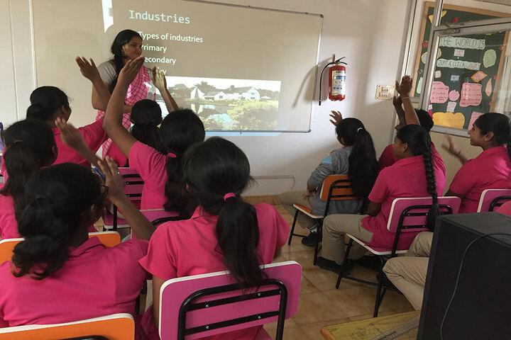 Basava Girls Pre-University College-Classroom