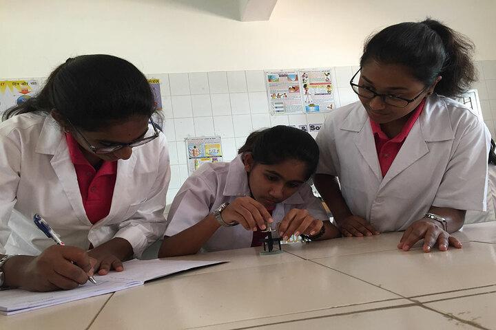 Basava Girls Pre-University College-Physics Lab