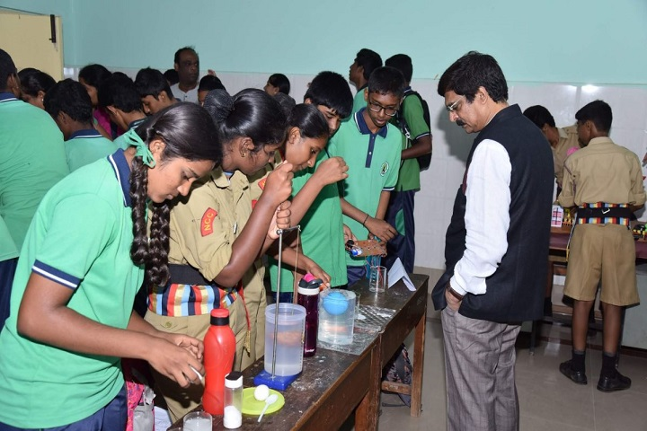 UAS And VC Pre-University College-Science Fair