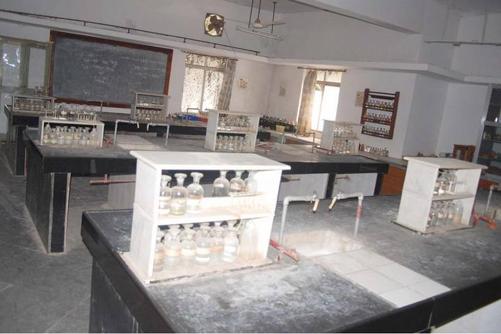 Sharnbasveshwar Residential Pre-University College-Chemistry Lab