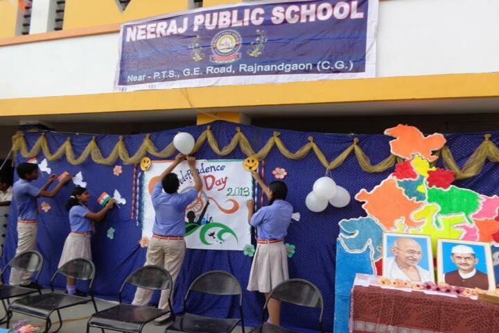 Neeraj Public School-independence day1