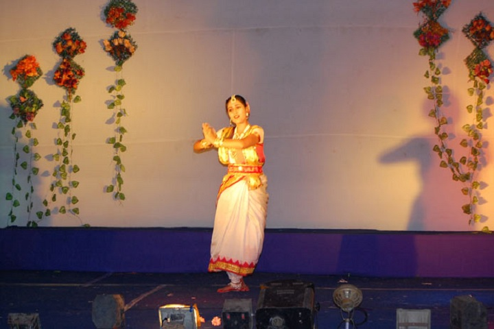 Dinanath Nabakishore Girls High School-Dance