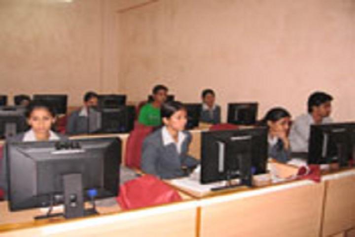 Karnatak Law Societys Pre University College-IT-Lab View