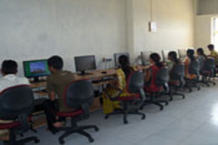Karnatak Law Societys Pre University College-IT-Lab