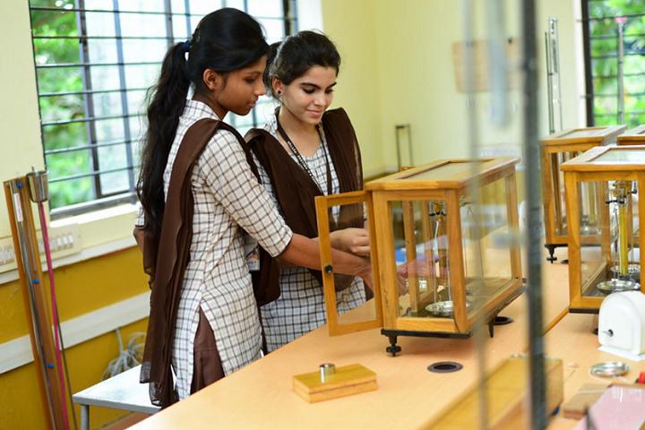 Narendra Pre University College-Laboratory View