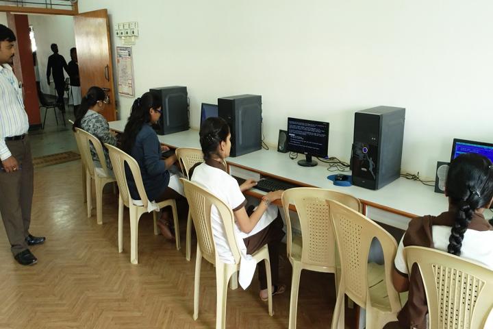 Vidyaniketan Independent Pre University College-IT-Lab