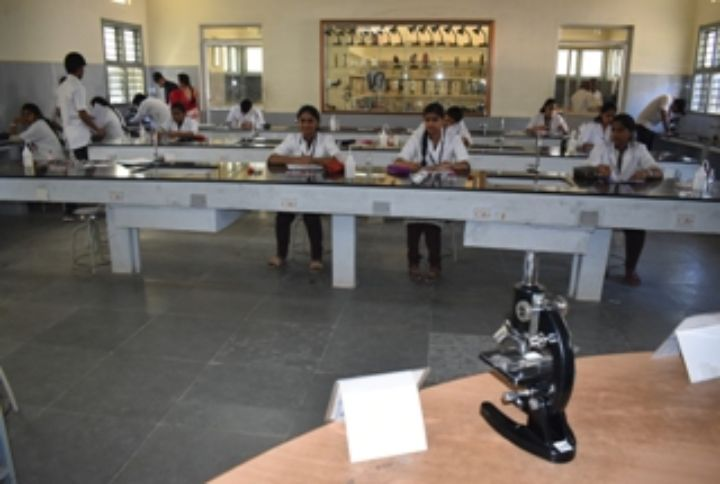 Sri Aurobindo Pre-University College-lab