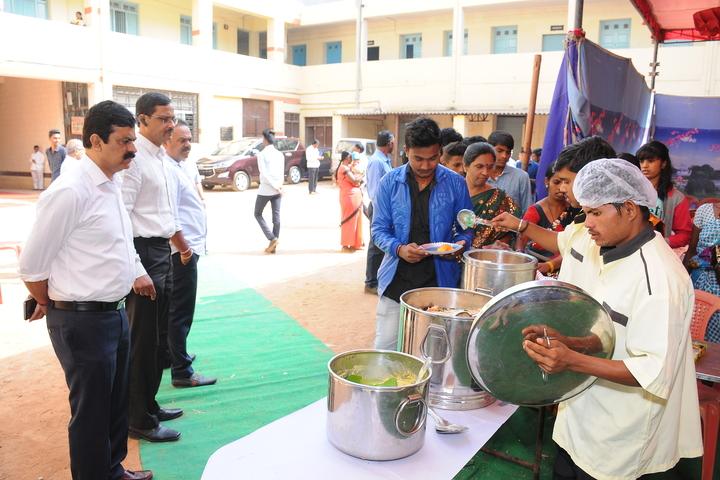 Arya Vidya Shala Pre-University College-Meal Distribution