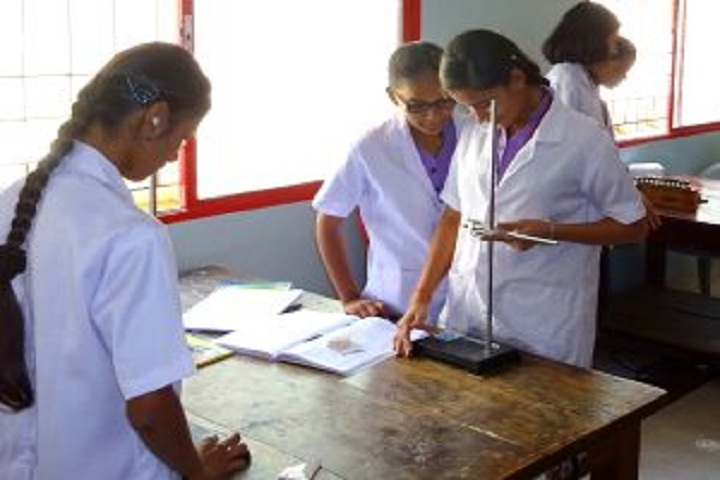 Vivekananda Pre University College for Women-Physics Laboratory