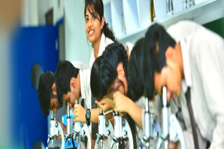 Mahesh Pre-University College-Biology Lab