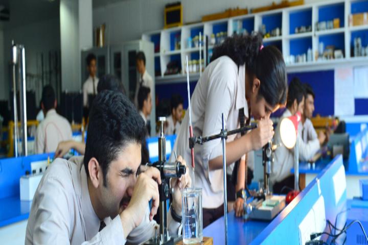 Mahesh Pre-University College-Chemistry Lab