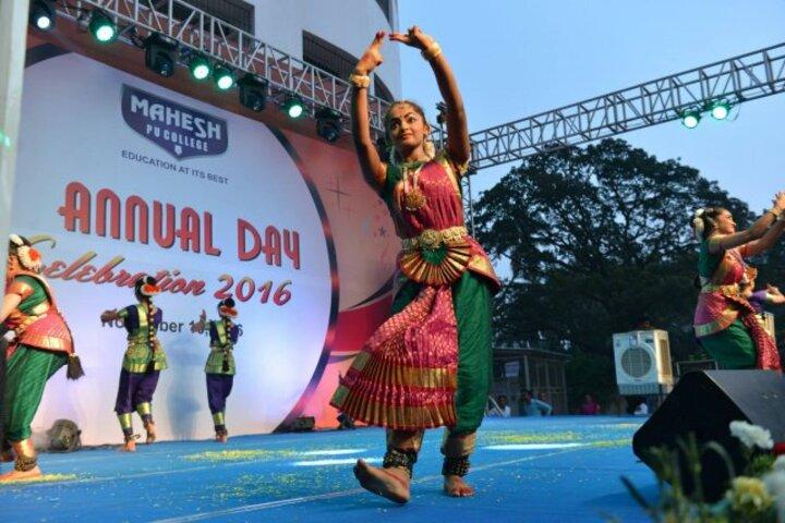 Mahesh Pre-University College-Dance