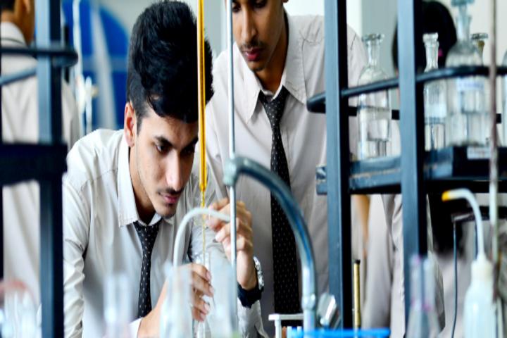 Mahesh Pre-University College-Physic Lab