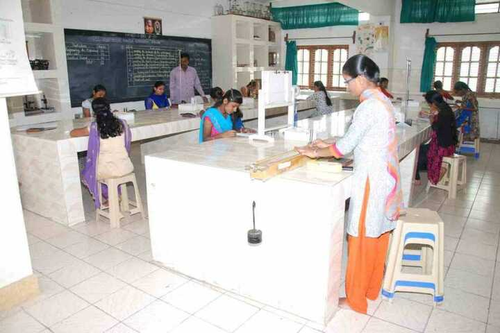 Vishwamanava Pre-University College- Lab