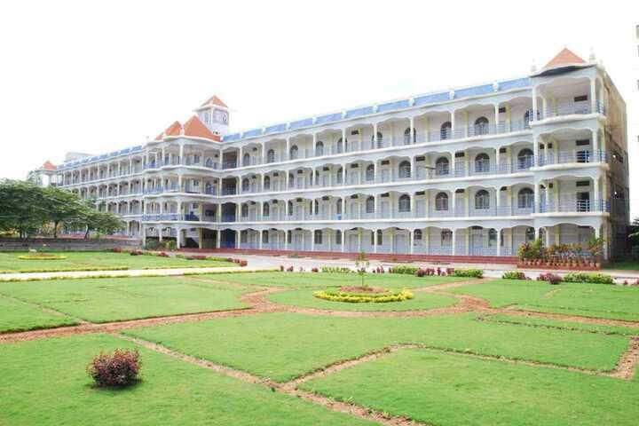 Vishwamanava Pre-University College-College Campus