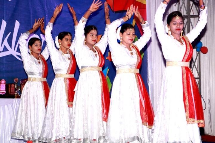 Prism Public School-Dance Performance