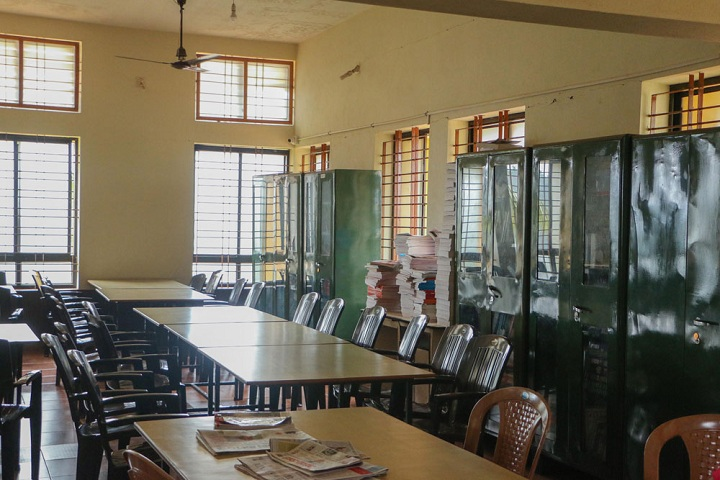 Vivekananda Pre University College-Library With Reading Room