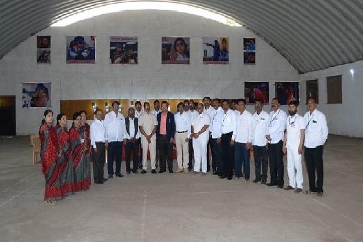 Yashwantrao Chavan Mahavidyalaya-Staff