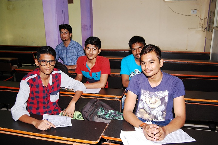 DR R P NATH Junior College-Classroom With Students