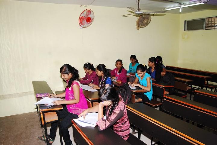 DR R P NATH Junior College-Classroom