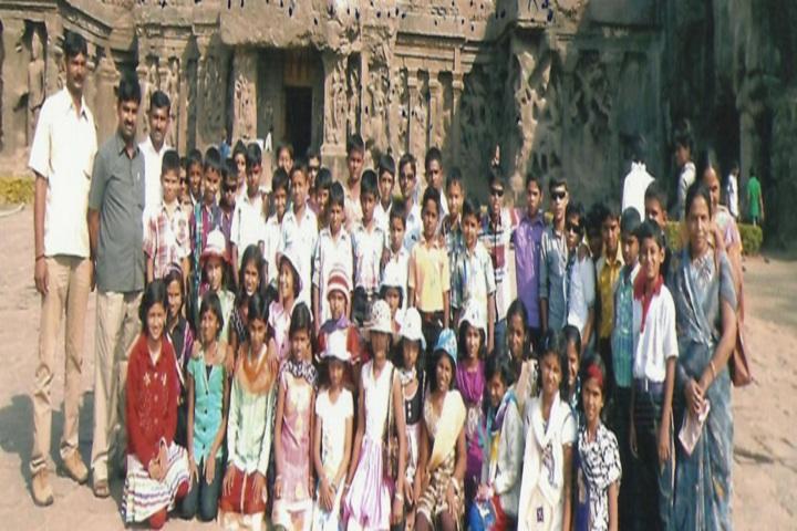 English School Junior College-Tour
