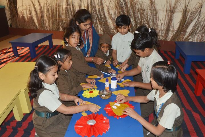 Sadhu Ram Vidya Mandir-Art And Craft