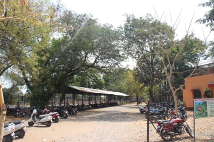 Dhanaji Nana Mahavidyalaya-Parking