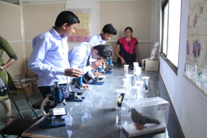 Karmveer College of Science and Commerce-Biology Lab