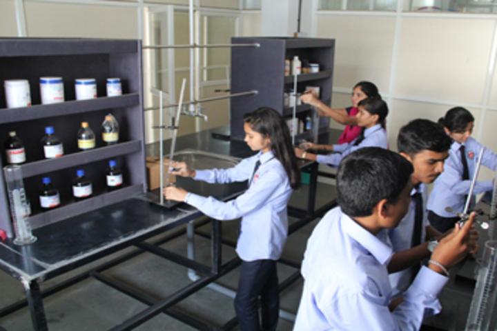 Karmveer College of Science and Commerce-Chemistry Lab
