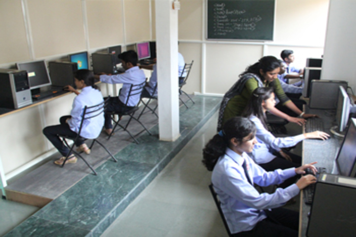 Karmveer College of Science and Commerce-Computer Lab