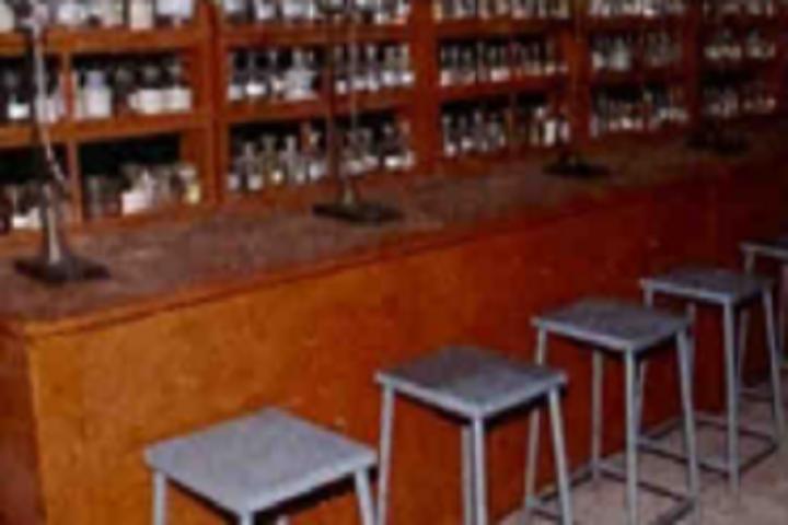 Dharmavir Anand Dighe English Medium School-Laboratory