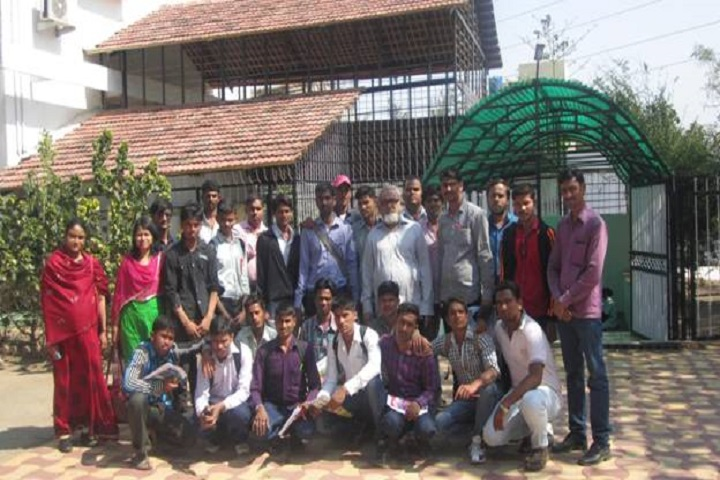 Kohinoor Arts Commerce and Science College-Staff And Students Group Photo