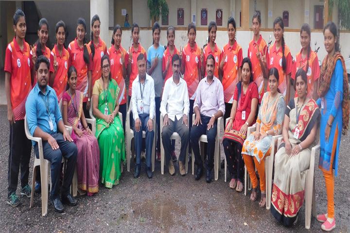Dnyanbhakti Junior College-Staff