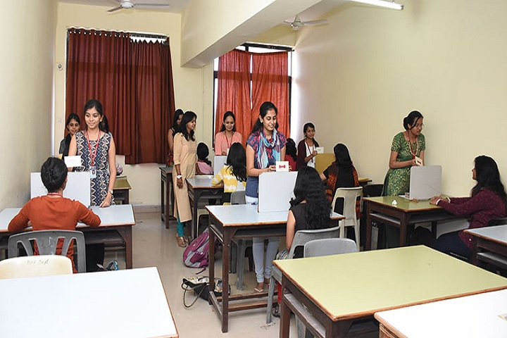 Smt Maniben M P Shah Womens College of Arts and Commerce-IT Lab View